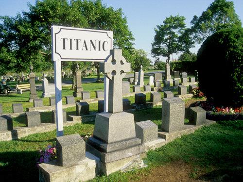 titanicgraves.jpg